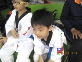 我子 跆拳道比賽,第一名ㄟ&..................可能要加六喔(哈哈哈) :IMG_2394.jpg