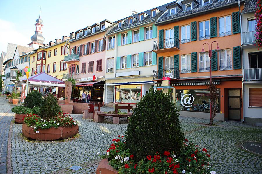德國_萊茵河上的珍珠_蘆荻哈姆小鎮:55D32122_b.jpg