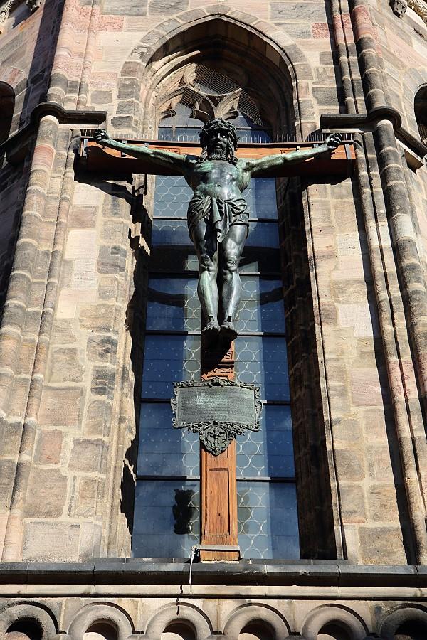 德國_紐倫堡_皇帝堡_中央廣場_美之泉_聖母教堂:55D39739_b.jpg
