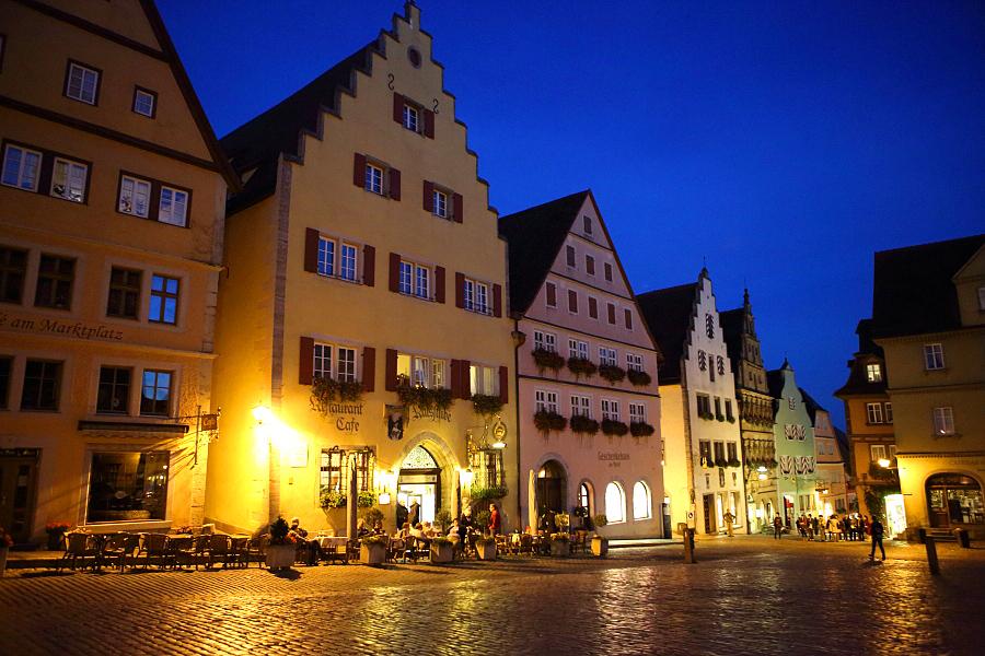 德國_羅登堡_沿城牆眺望:55D39499_b.jpg
