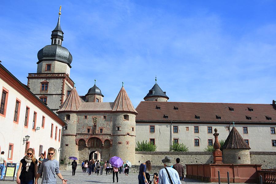 德國_烏茲堡_主教宮殿_新教堂:_5D39321_b.jpg