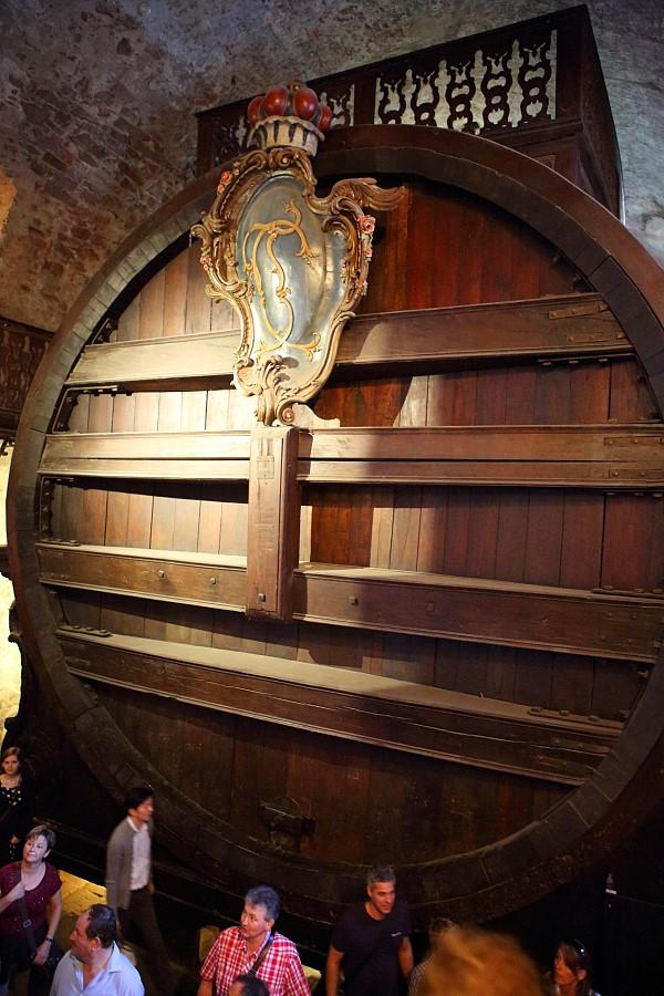 德國_海德堡_古堡纜車_大古堡_橡木酒桶_腳印的傳說:55D31743_b.jpg