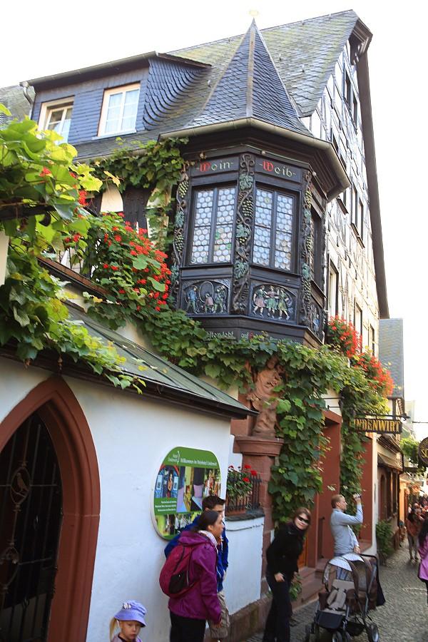德國_萊茵河上的珍珠_蘆荻哈姆小鎮:_5D32115_b.jpg