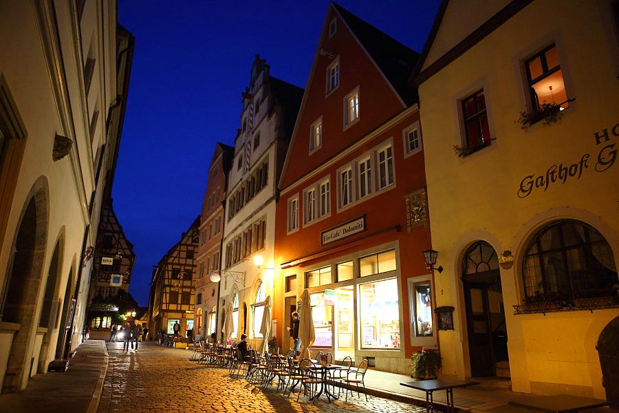 德國_羅登堡_沿城牆眺望:55D39501_b.jpg