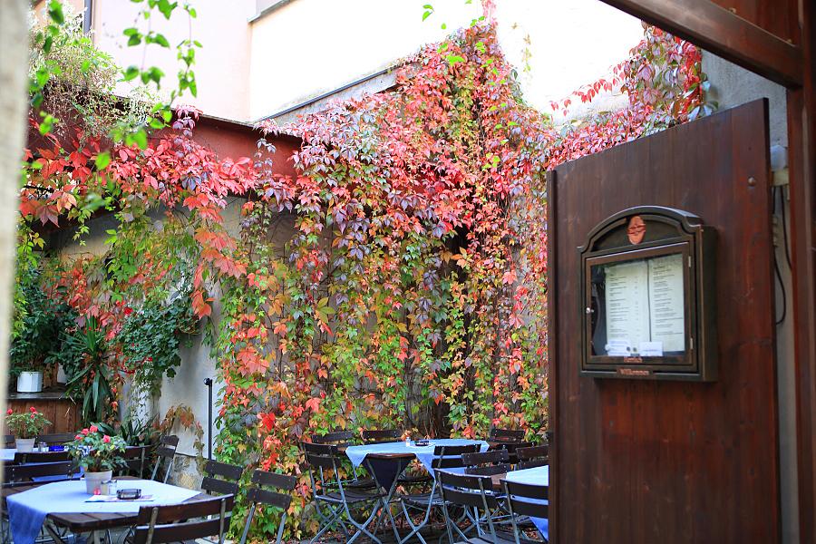 德國_羅登堡_沿城牆眺望:_5D39360_b.jpg