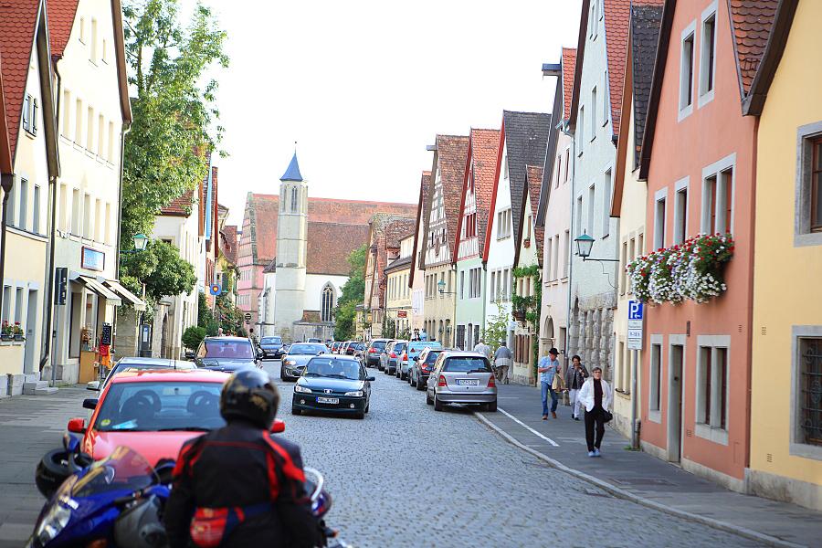 德國_羅登堡_沿城牆眺望:_5D39394_b.jpg