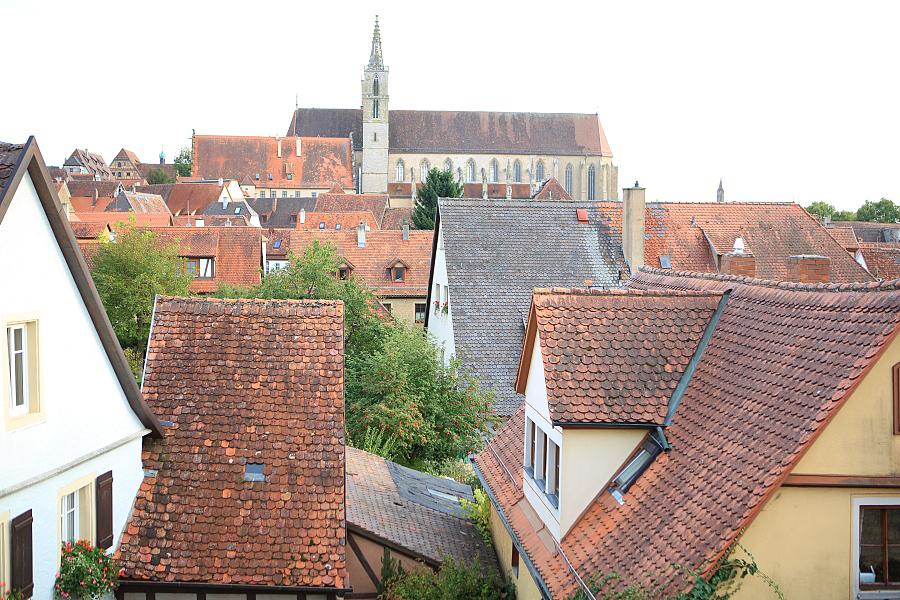 德國_羅登堡_沿城牆眺望:_5D39473_b.jpg