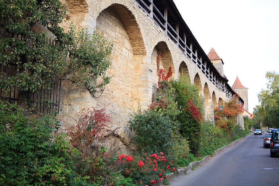 德國_羅登堡_沿城牆眺望:_5D39477_b.jpg