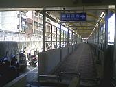 基隆市-仁愛區三坑車站:站外走廊往廟口1.jpg