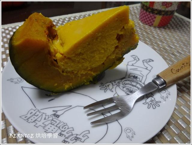 DSC07611.JPG - 【烘培】萬聖節南瓜乳酪布丁☆失敗的南瓜杯子蛋糕2015/10/31