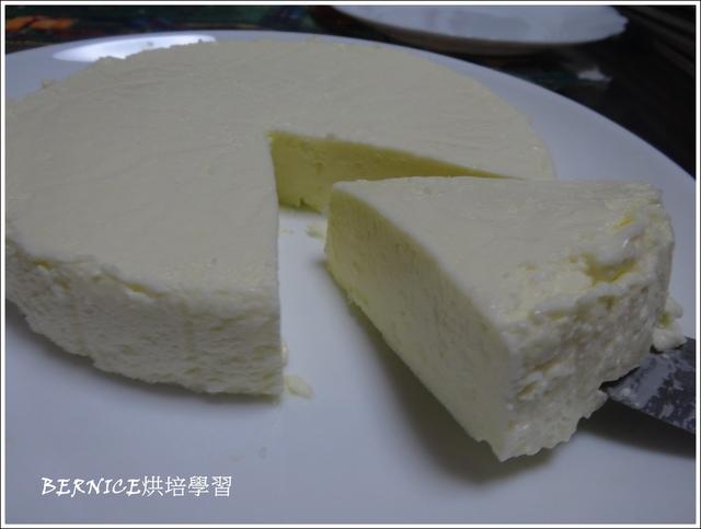 DSC01953.JPG - 【烘培】初做免烤乳酪蛋糕(無消化餅)2015/9/4