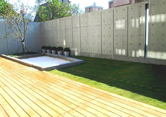 居家樂活庭園/南方松地板/草皮 - [ 庭園園藝景觀篇 ]-現代居家樂活庭園.南方松.草皮