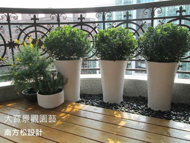 <南方松地板.陽台綠化> - 大廈陽台篇5 / 南方松木作設計 / 陽台綠化園藝