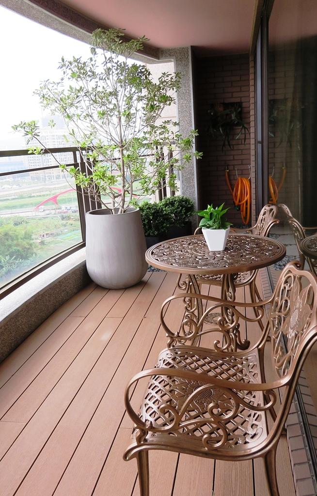 大廈陽台南方松地板/綠化 - 大廈陽台篇1 / 南方松地板 /陽台綠化園藝