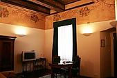 蜜月Day4-6夜宿鐵門飯店:客廳部分非常迷你