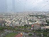 高雄市.前鎮區.夢時代廣場:[shellon] 外面在下雨哩