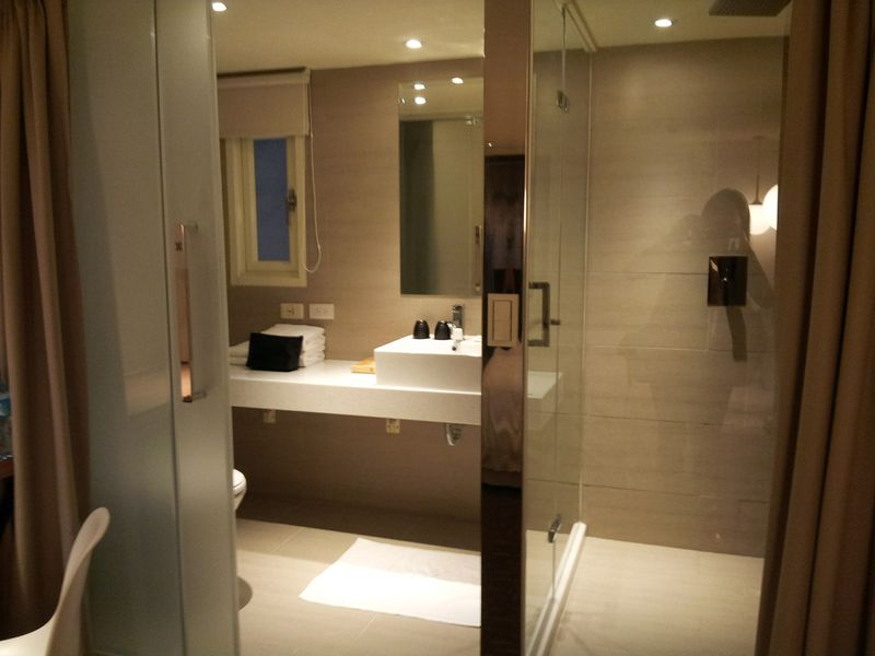 台北市.中山區.VIA HOTEL丰居旅店(雙連館) :[yuhwa123] 浴室2.jpg