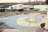 花蓮縣.花蓮市.花蓮漁港休閒碼頭:[mr.coffee] 地板全貌,排成海螺的圖樣