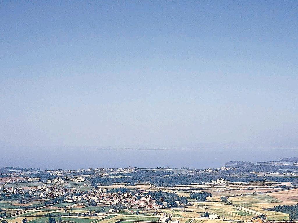 (這是一本待審核的相簿):[mykm520] 從太武山上俯瞰海峽兩岸風雲.jpg