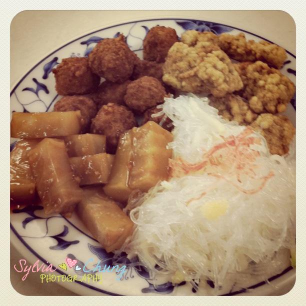 台北市.大安區.台電勵進酸菜白肉鍋:[sylvia128] Fried meat ball.JPG