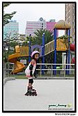 媽咪開會~我們滑冰去~:20100905_007.jpg
