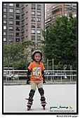 媽咪開會~我們滑冰去~:20100905_010.jpg