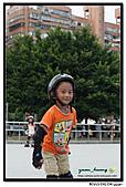 媽咪開會~我們滑冰去~:20100905_012.jpg