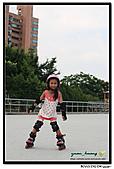 媽咪開會~我們滑冰去~:20100905_018.jpg