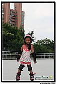 媽咪開會~我們滑冰去~:20100905_019.jpg