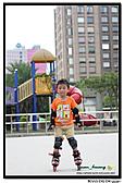 媽咪開會~我們滑冰去~:20100905_051.jpg